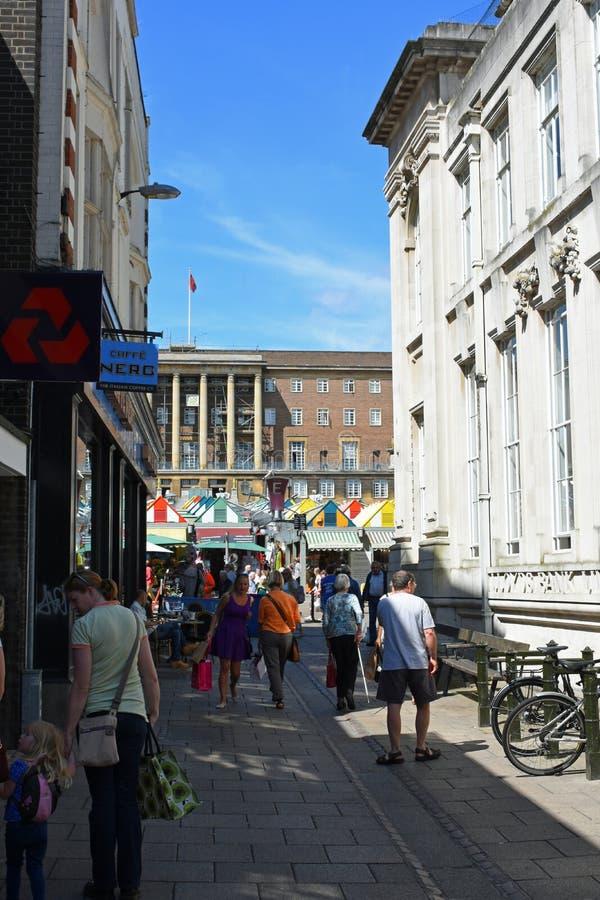 Davey Place, el mercado y el consistorio, Norwich City se centran, Norfolk, Inglaterra imágenes de archivo libres de regalías