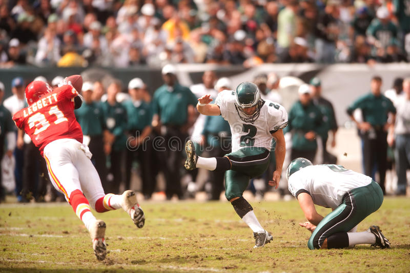 David Akers. Philadelphia Eagles kicker David Akers kicks a field goal in 2009 against the Kansas City Chiefs stock images
