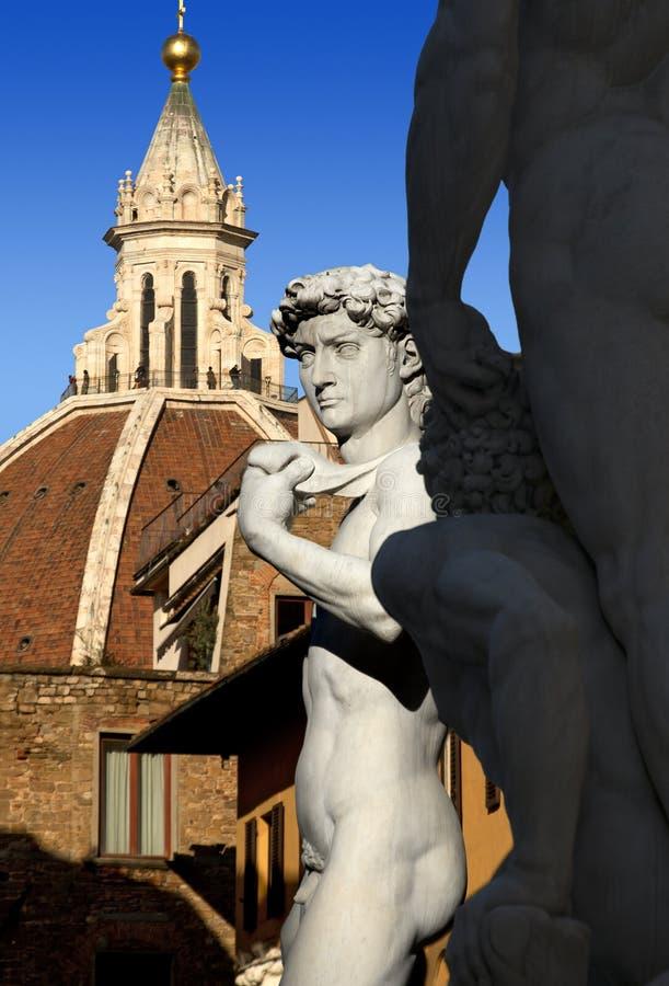 David da Michelangelo e dalla cupola della cattedrale - Florence Italy fotografia stock libera da diritti