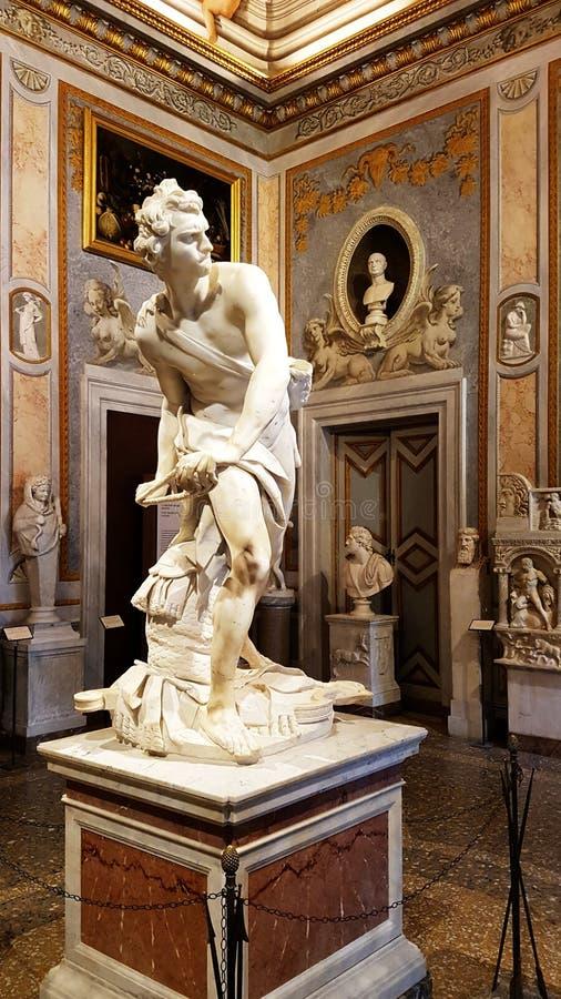David, una escultura famosa de la galería de Borghese en Roma fotos de archivo