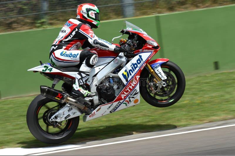 Davide Giugliano #34 на фабрике 1000 Aprilia RSV4 с Superbike WSBK гоночной команды Althea стоковые изображения rf