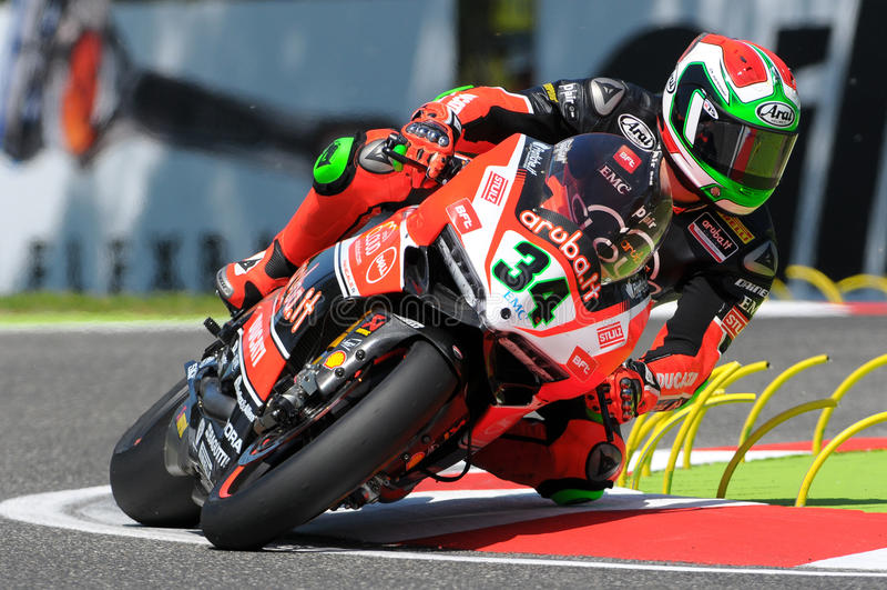 Davide Giugliano Ducati Panigale R Aruba ja bieżna Superbike drużyna Imola SBK 2015 obrazy royalty free