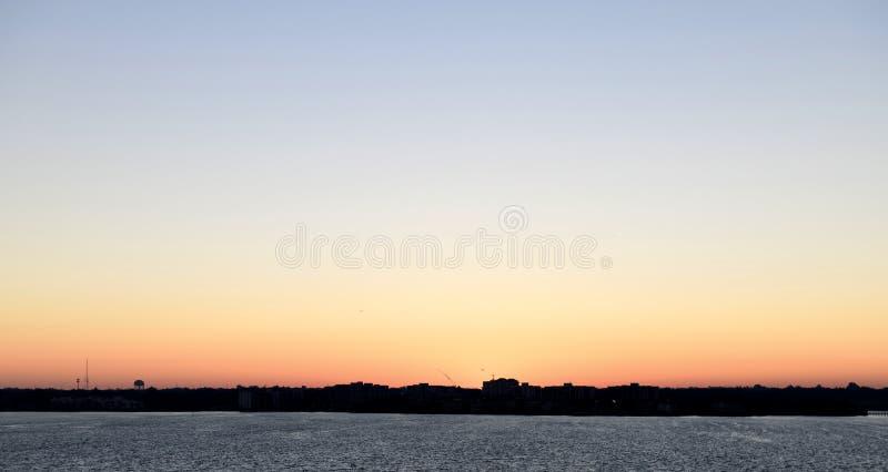 Dawn's Wcześnie Zaświeca Nad Largo zdjęcia royalty free