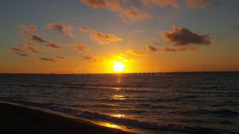 Dawn στην ακτή στη βορειοδυτική Σαρδηνία στοκ εικόνες