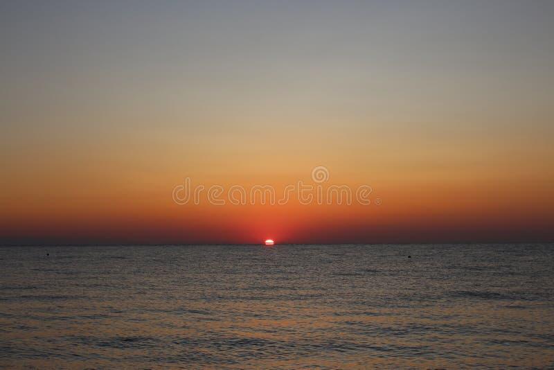 Dawn bij de Middellandse Zee royalty-vrije stock foto's