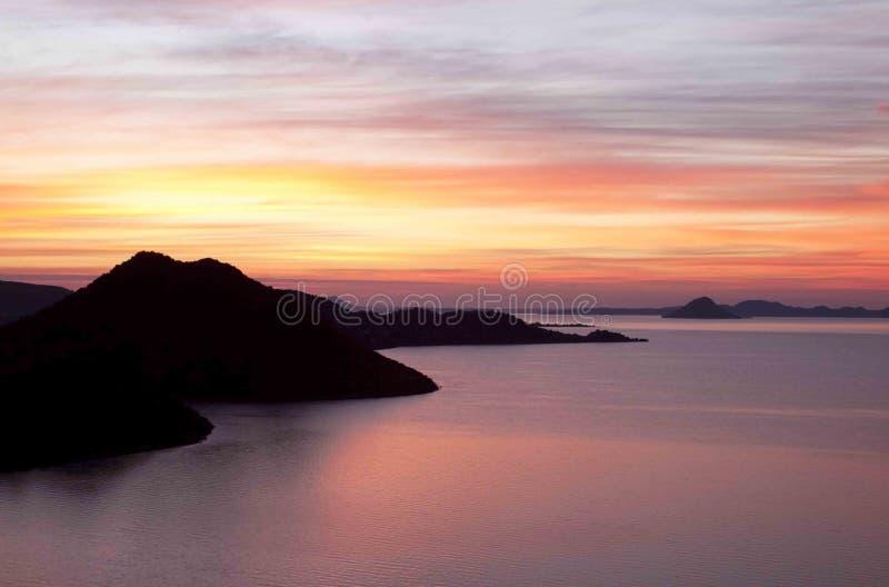 Dawn bij Gariep-Dam stock foto's