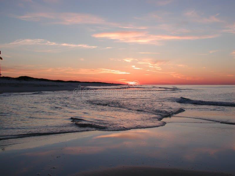Dawn bij het Strand royalty-vrije stock afbeeldingen