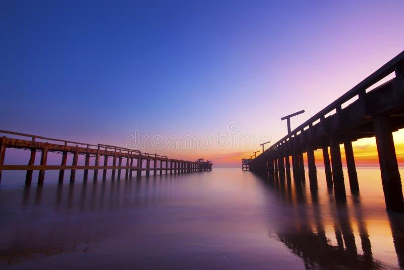 Dawn Breaking over de Oceaan in Coolum royalty-vrije stock fotografie
