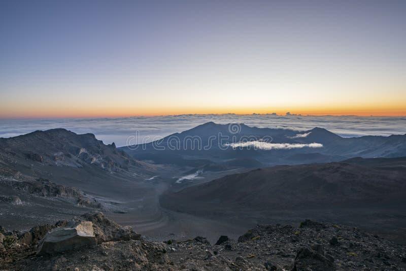 Dawn in het Nationale Park van Haleakala, Maui, Hawaï stock afbeelding