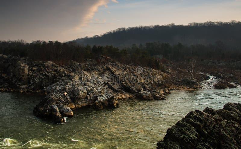 Dawn op de Potomac Rivier in Mather Gorge - 2 stock fotografie