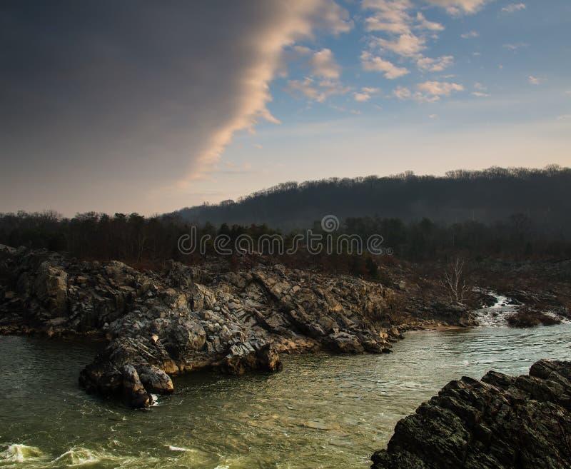 Dawn op de Potomac Rivier in Mather Gorge - 3 stock foto's
