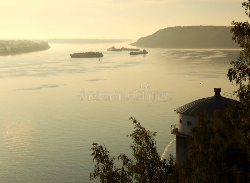 Dawn op de Volga rivier dichtbij de stad van Kstovo royalty-vrije stock fotografie