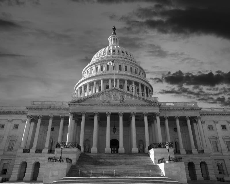 Dawn Sky sobre el capitolio de Estados Unidos imagen de archivo