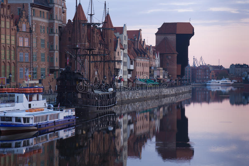 Dawn View Over The River Motlawa The Old Town In Gdansk Stock Photos
