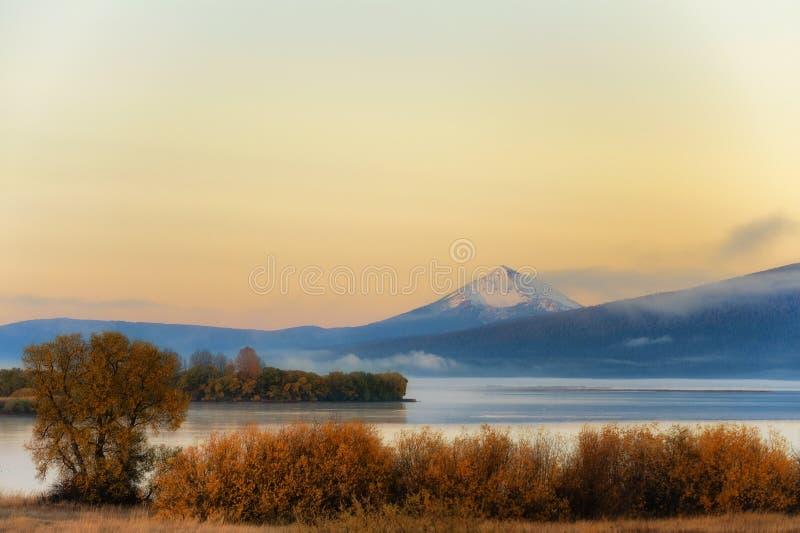Dawns view of upper Klamath Lake stock photos