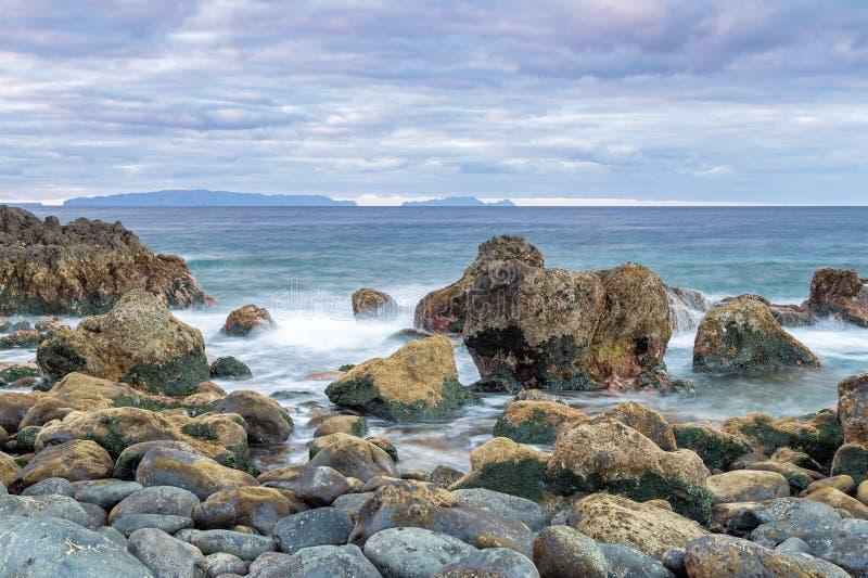 Daybreak op de kust van Madeira royalty-vrije stock afbeelding