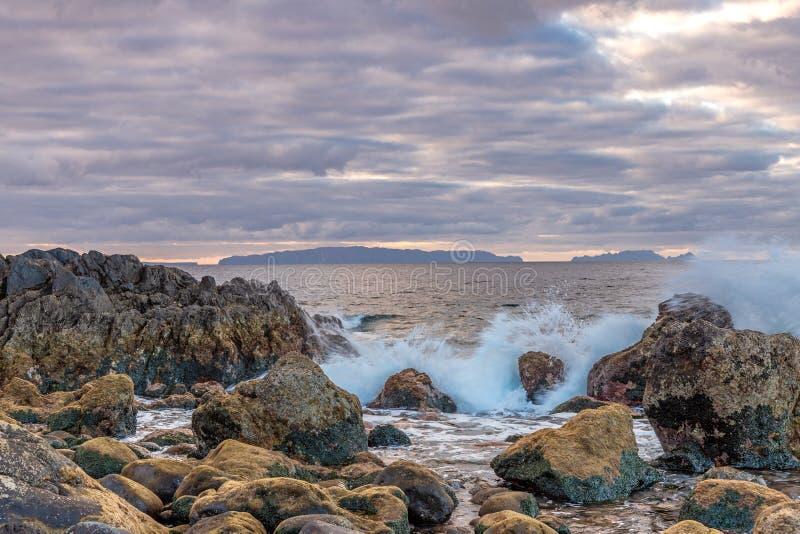 Daybreak op de kust van Madeira royalty-vrije stock foto