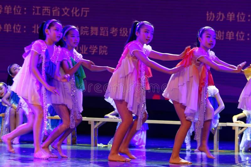Daydream танца ` s детей испытания звёздной академии танца Пекина неба сортируя выставка Цзянси достижения выдающего уча стоковое изображение rf