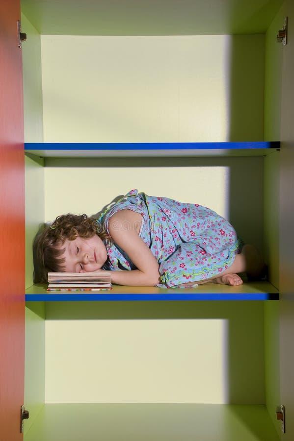 daydreaming чтение стоковое фото rf