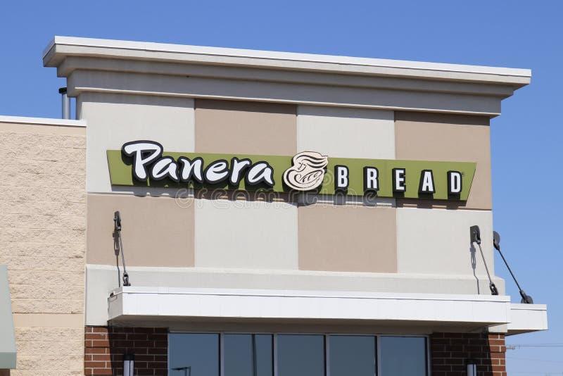 Dayton - cerca do abril de 2018: Lugar do retalho do pão de Panera Panera é uma corrente dos restaurantes ocasionais rápidos que  imagem de stock