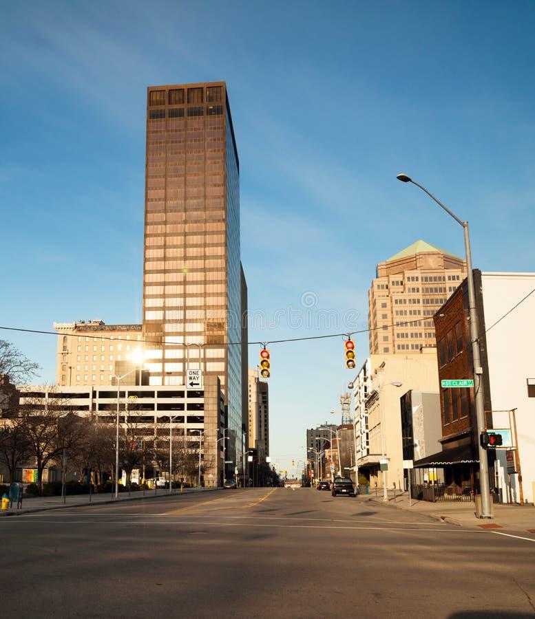 Dayton Ohio miasta linii horyzontu niedziela rano W centrum wschód słońca obrazy stock