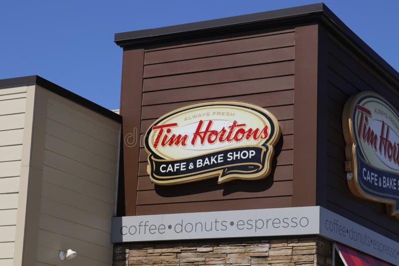 Dayton - Około Kwiecień 2018: Tim Hortons kawiarnia & Piec sklep To jest USA wersja popularnego kanadyjczyka postu Przypadkowa re obrazy royalty free