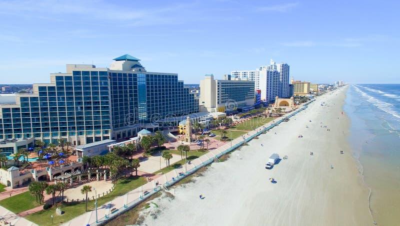 DAYTONA海滩, FL - 2016年2月:城市地平线鸟瞰图  图库摄影