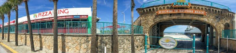 DAYTONA BEACH, FL - FEBRERO DE 2016: Vista panorámica del coastl de la ciudad imagen de archivo libre de regalías