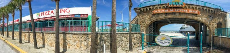 DAYTONA BEACH, FL - FEBRERO DE 2016: Vista panorámica del coastl de la ciudad imagenes de archivo