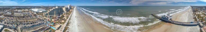 DAYTONA BEACH, FL - FEBRUARI 2016: Panoramische luchtmening van coas stock foto