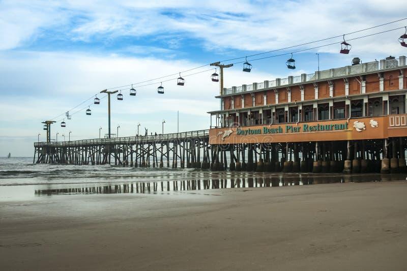 Daytona- Beachpier am regnerischen Tag in Florida lizenzfreies stockbild