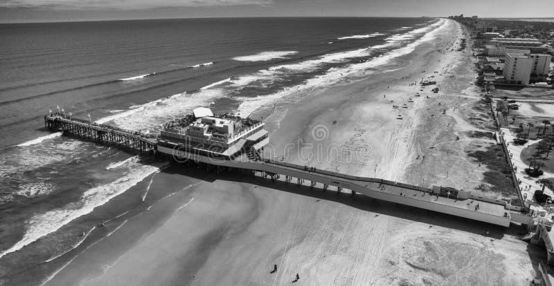 DAYTONA plaża FL, LUTY, - 2016: Miasta i plaży anteny linia horyzontu obraz stock
