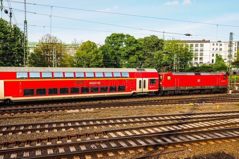 DB pociąg w Hamburskim hdr fotografia stock