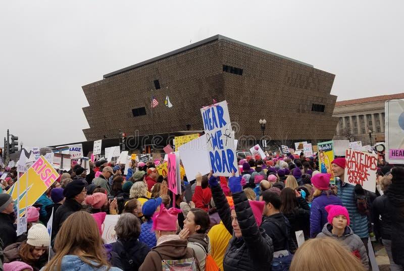 DC ВАШИНГТОНА - 21-ОЕ ЯНВАРЯ 2017: ` S март женщин на Вашингтоне стоковая фотография rf