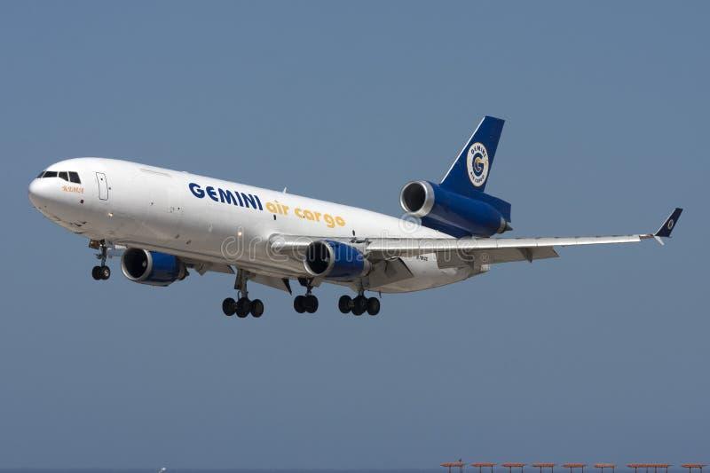 DC-10 груза на подходе стоковое изображение rf