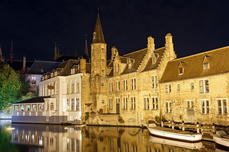 ¡ De Ð anal à Bruges pendant la nuit belgium photos libres de droits