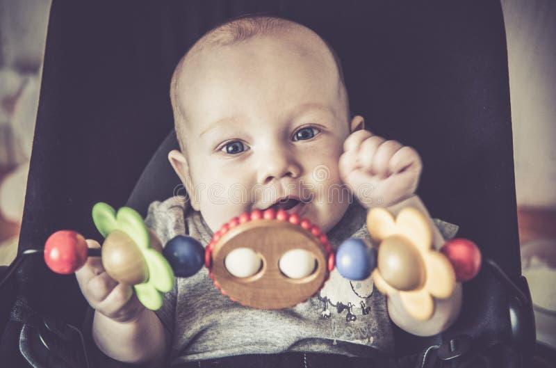 De aanbiddelijke close-up van de babyjongen stock foto
