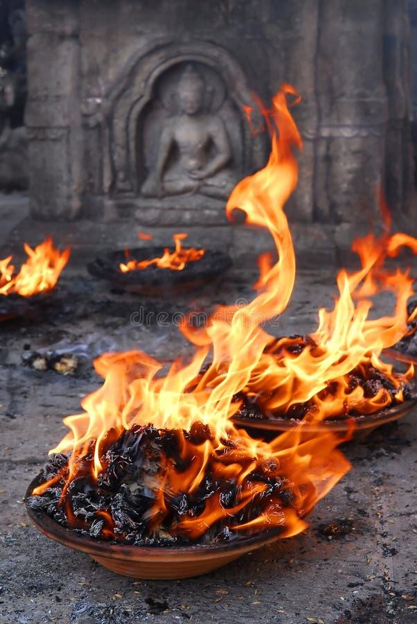 De aanbieding van de vlam royalty-vrije stock afbeelding