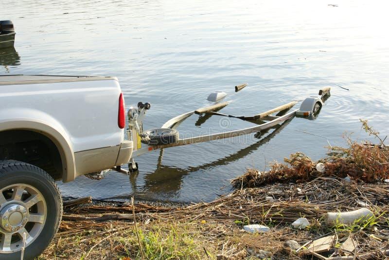 De aanhangwagen van de boot stock foto