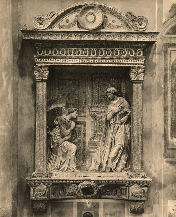 De Aankondiging van Cavalcanti van de Vingatefoto 1880-1930 is het werk van Donatello in verguld en gedeeltelijk polychrome steen royalty-vrije stock afbeelding