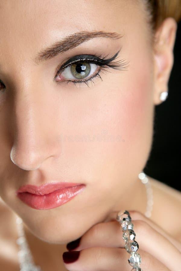 De aantrekkelijke juwelen van de manier elegante vrouw royalty-vrije stock afbeelding