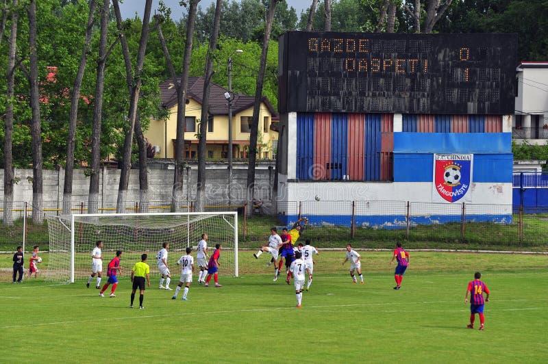De aanval van de voetbal stock afbeeldingen