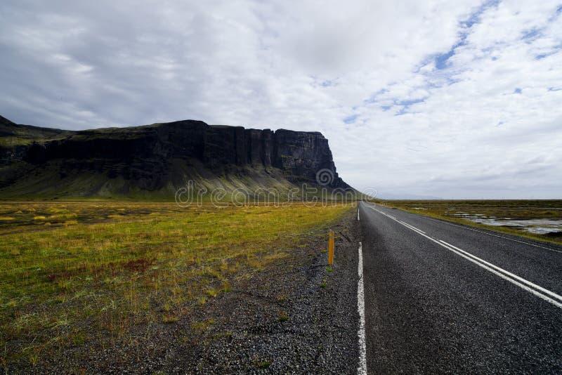De aard en de landschappen van IJsland van weg royalty-vrije stock foto's