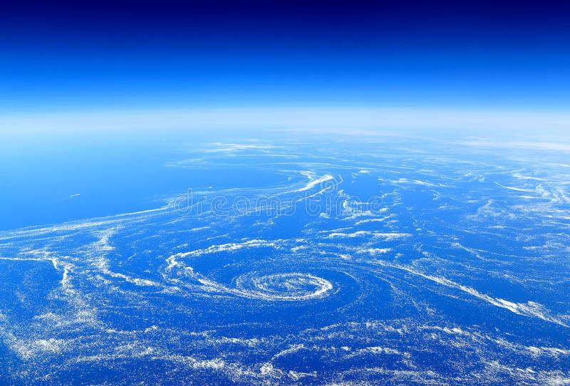 De Aarde van bovengenoemd: Drijvend overzees die ijs in mariene stromen wordt gevangen royalty-vrije stock foto's