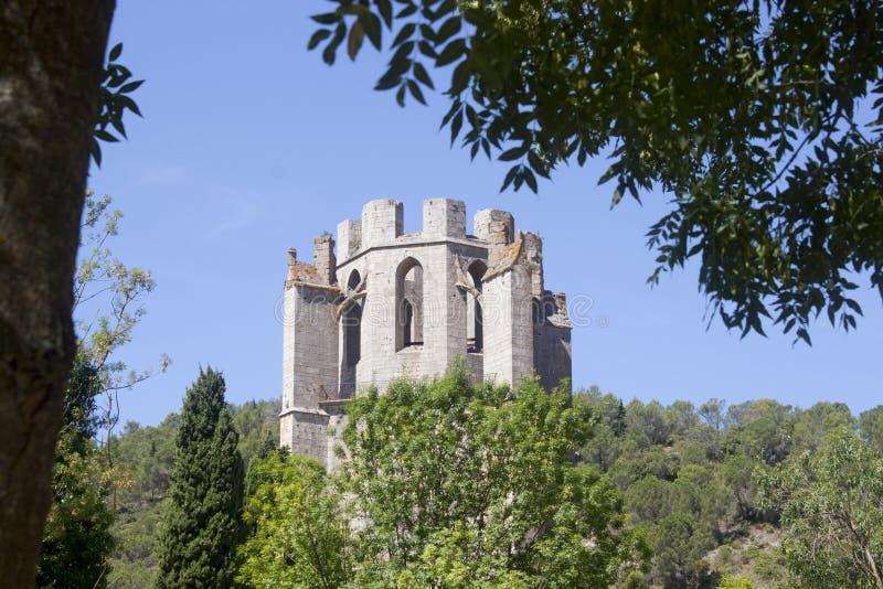 De abdij van heilige Marie in Lagrasse in de zomer royalty-vrije stock foto's