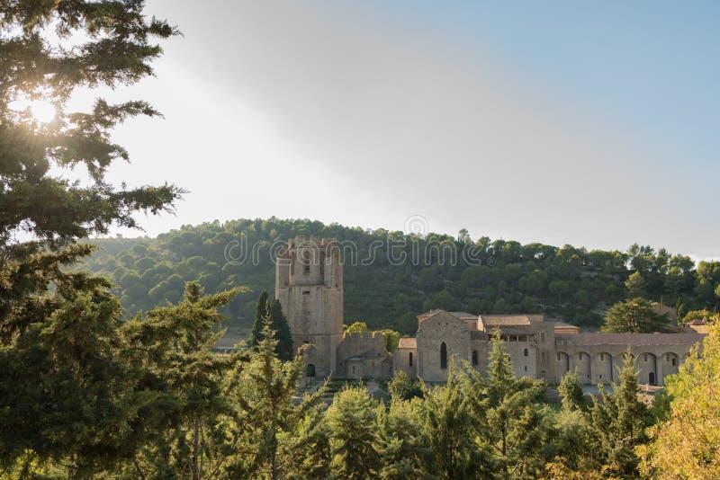 De abdij van Lagrasse, Frankrijk stock afbeeldingen