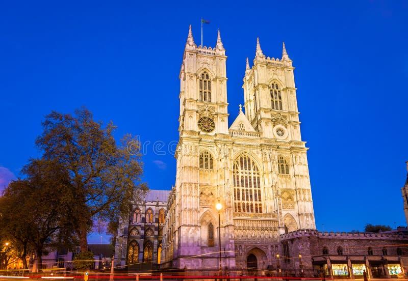 De Abdij van Westminster in de avond - Londen stock fotografie