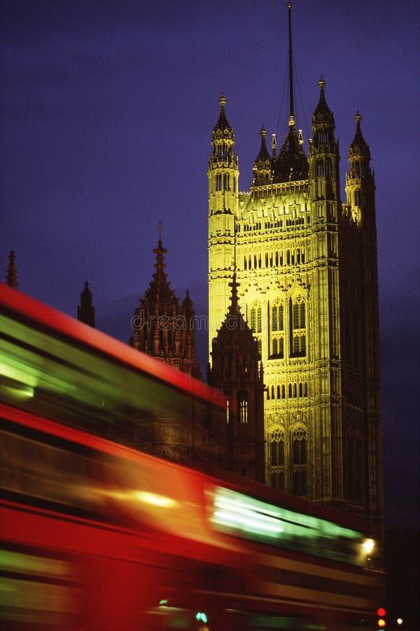 De Abdij van Westminster met bus stock fotografie