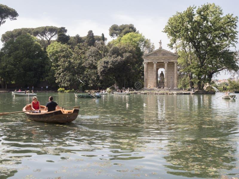 24 de abril de 2018 parque público de Borghese del chalet en la colina de Pincio en R imagen de archivo libre de regalías