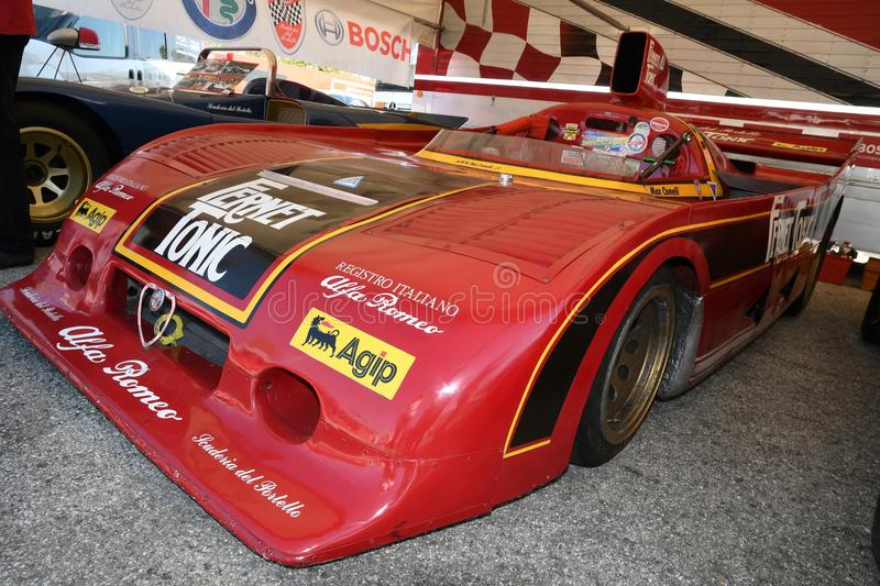 21 de abril de 2018: Turbocompressor do SC 12 de Alfa Romeo 33 de Arturo Merzario no prado do festival 2018 da legenda do motor e imagem de stock
